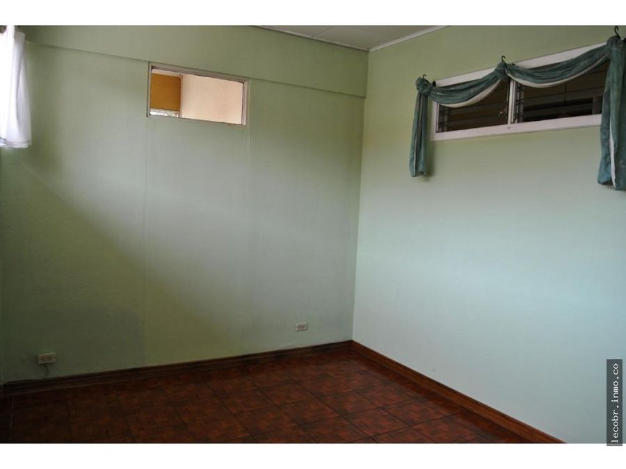 alquilo local casa acondicionada