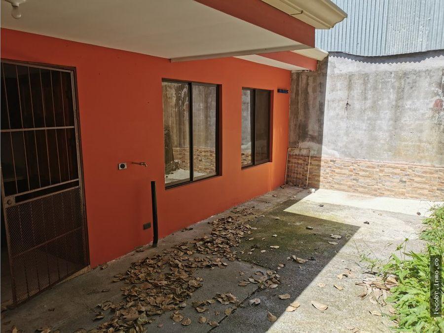 vendo casa en moravia urbanizacion monte luz
