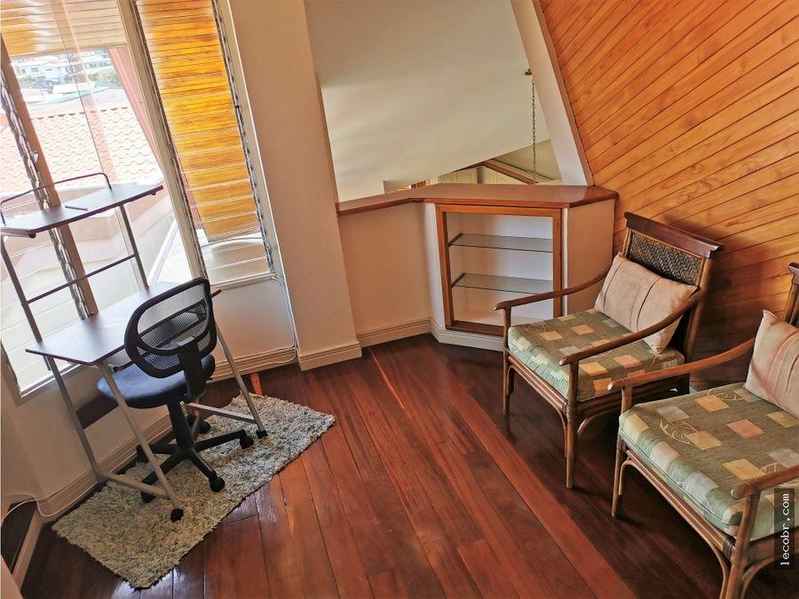alquilo apartamento amoblado en moravia 950