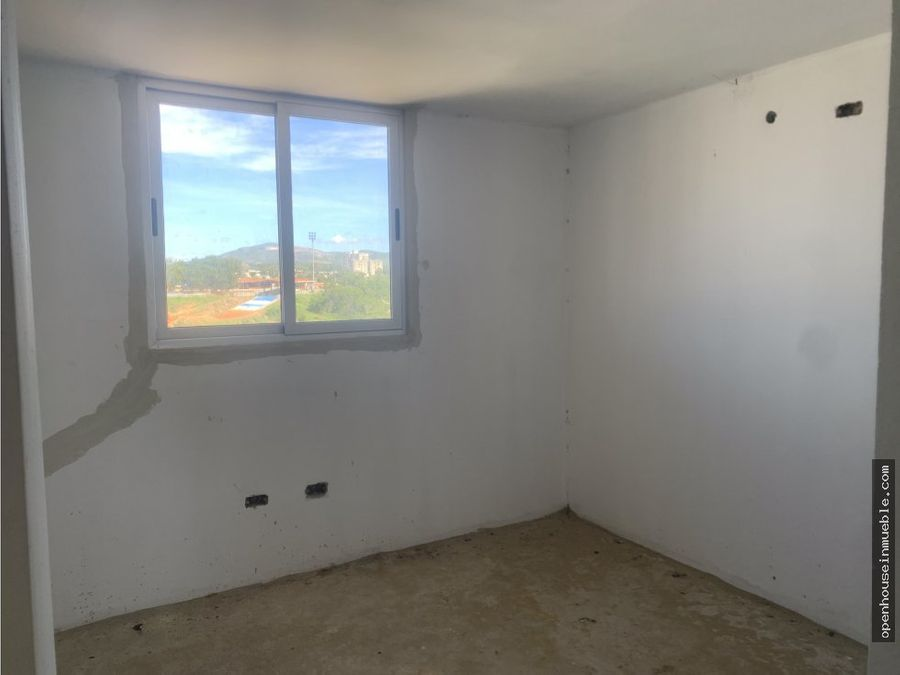 apartamento urb colinas del viento 78m2 balcon