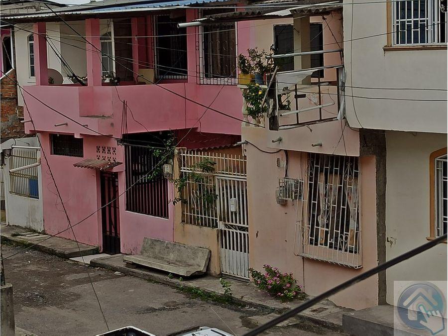 venta de bonita casa en la tolita 1 esmeraldas