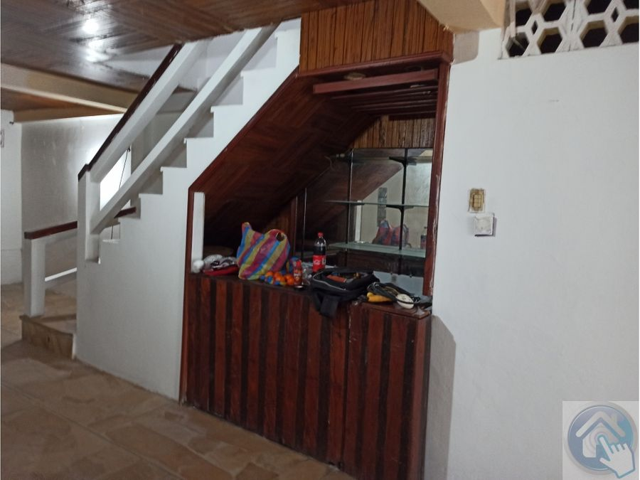 venta de bonita casa interior centro de esmeraldas