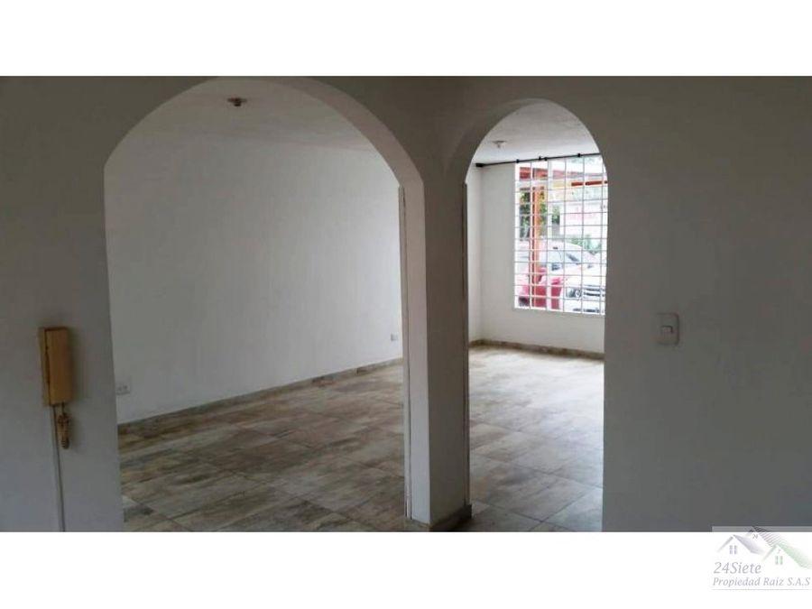 disponible en venta casa villa aranjuez 2