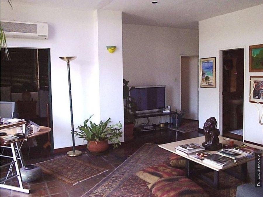 apartamento en venta en la urb los palos grandes
