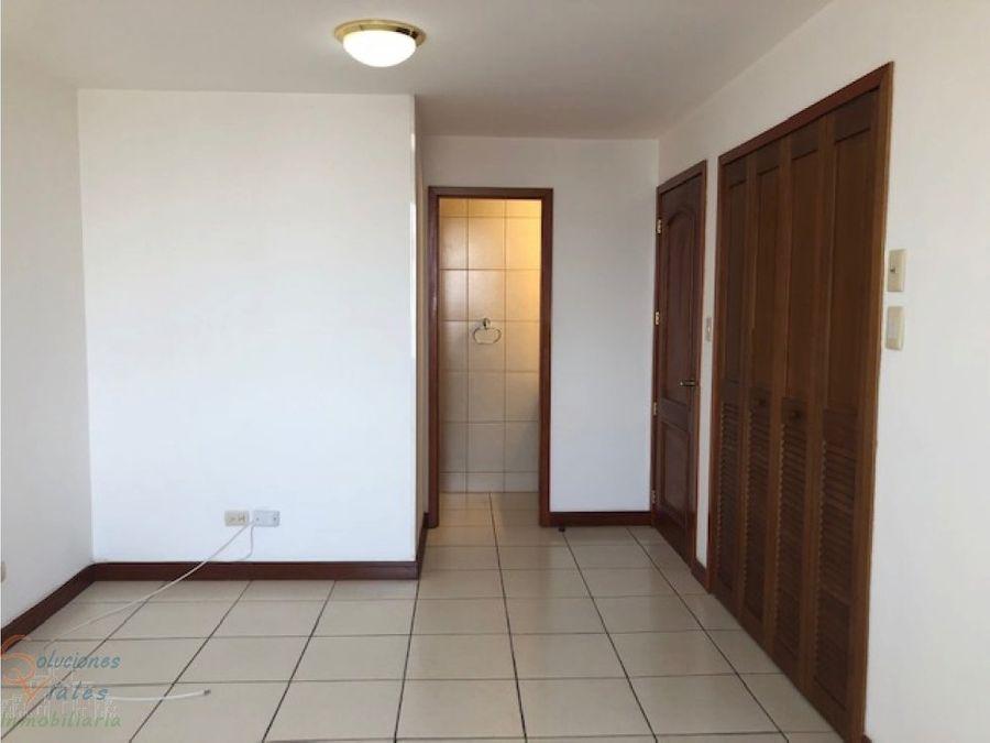 renta apartamento 20 calle zona 10