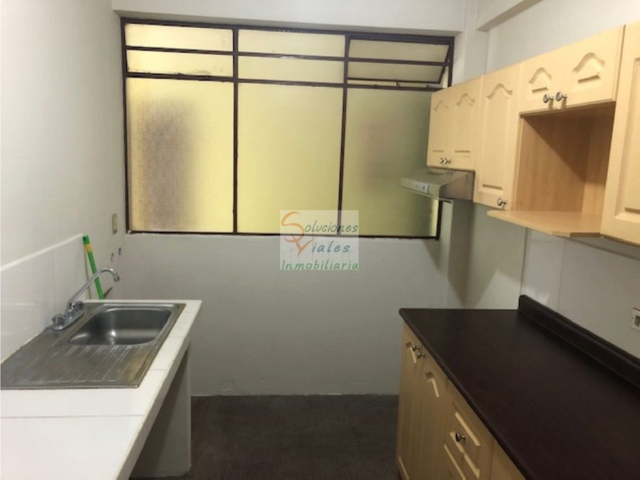 rento apartamento en zona 1
