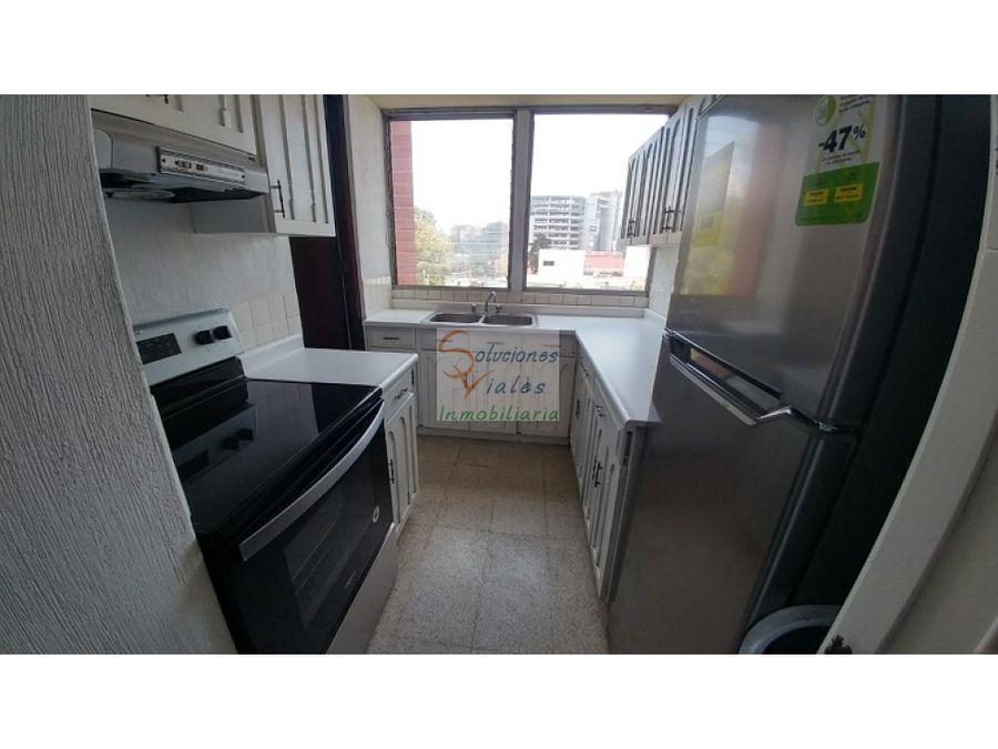 alquilo apartamento en zona 10 y 20 calle