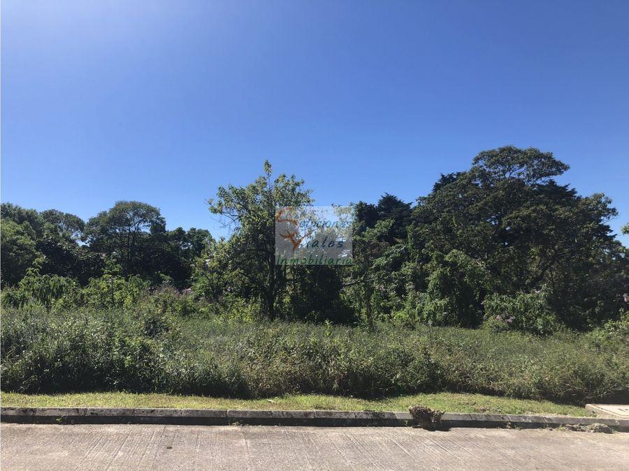vendo terreno en residencial casa y campo
