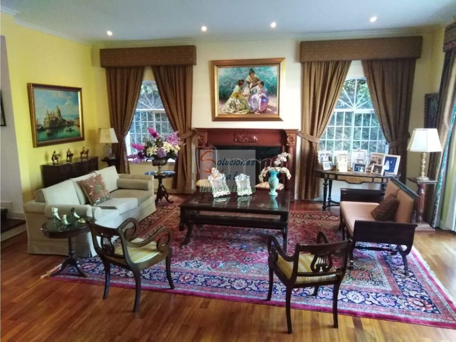 vendo elegante residencia estilo boston en zona 15