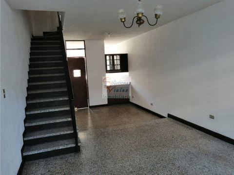 rento casa para oficina o vivienda en zona 5 sector san pedrito