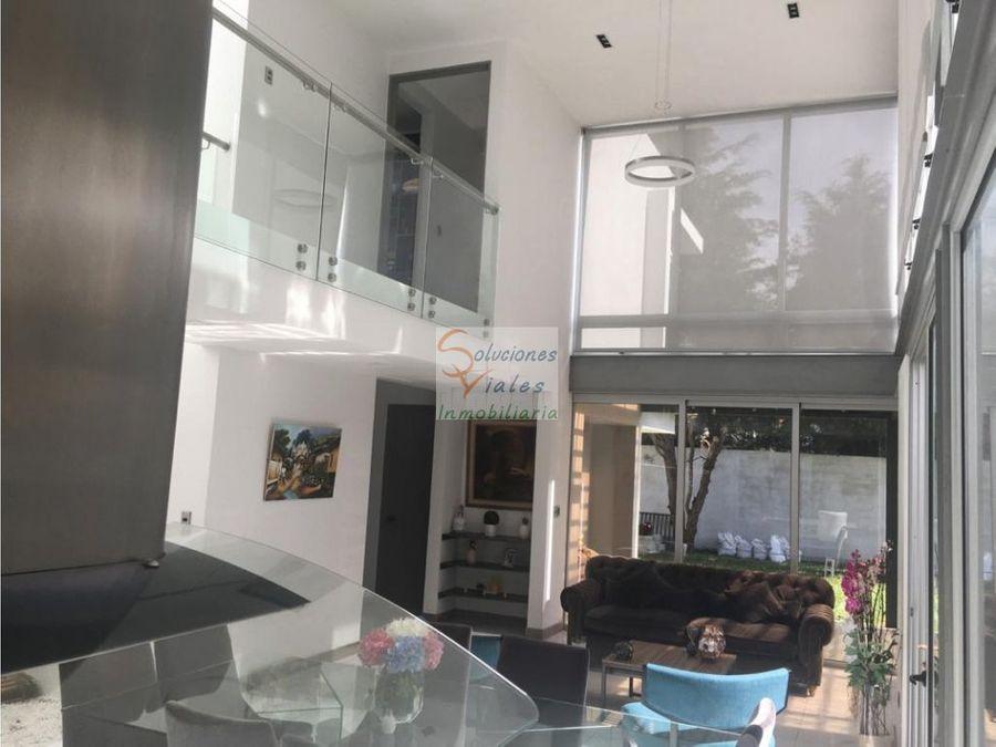 se vende casa moderna en residenciales los manantiales