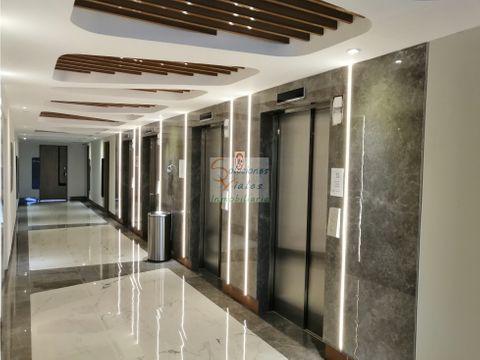 rento clinica medica en edificio renovati zona 10