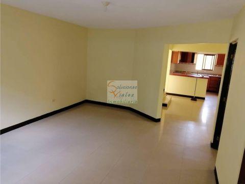 se vende casa en hacienda real zona 16