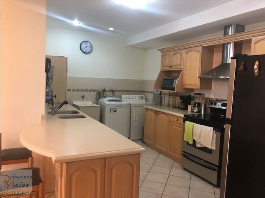 rento apartamento en oakland zona 10