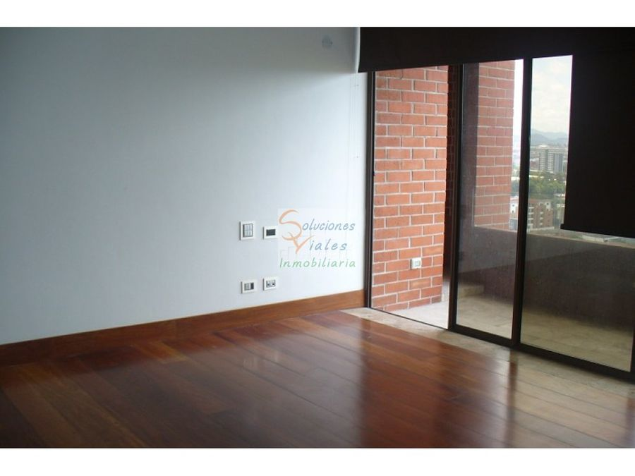 se vende exclusivo penthouse en zona 10