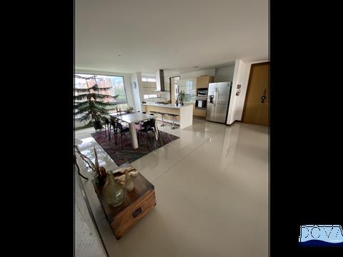 apartamento en el poblado piso alto