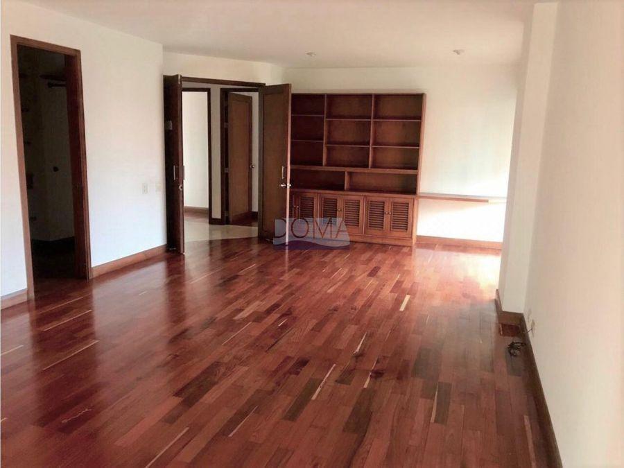 se vende apartamento en sector milla de oro el poblado