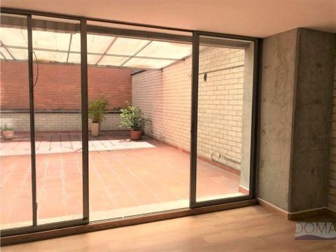 venta apartamento en laureles con grande terraza al aire libre