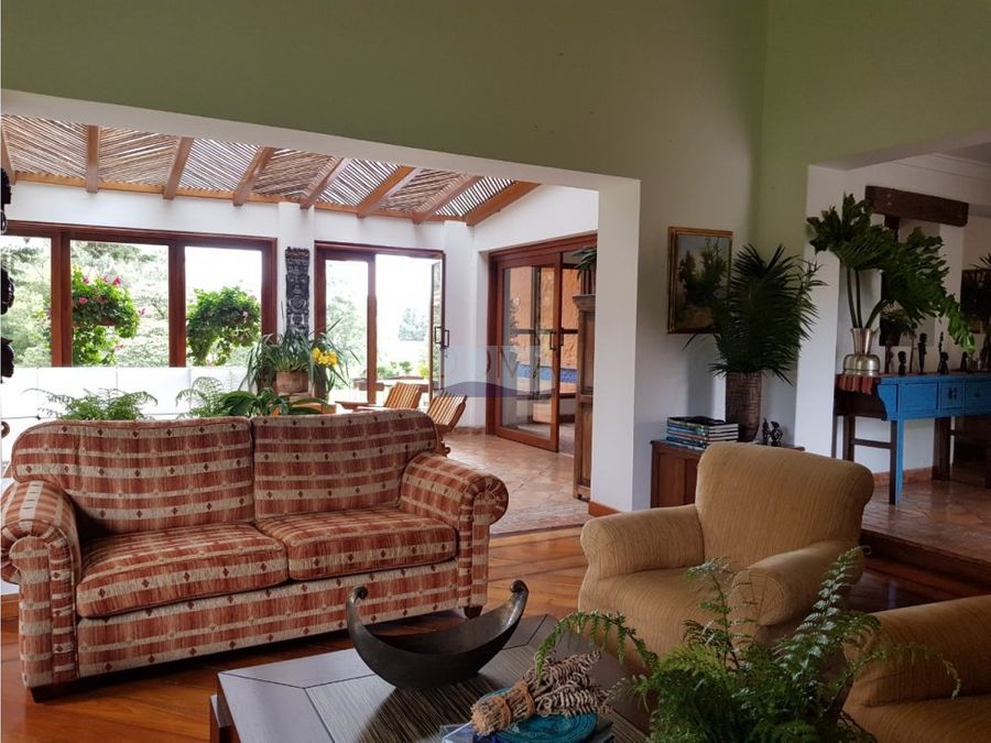 venta de casa campestre en sector la acuarela en el alto de palmas