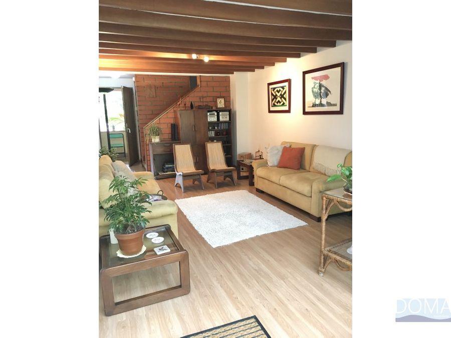 casa en transversal intermedia envigado campestre bonita calida