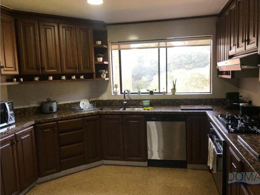 venta de apartamento en parte alta del poblado por las palmas