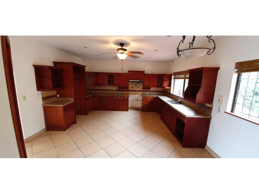 venta de casa con 2 apartamentos santa ana