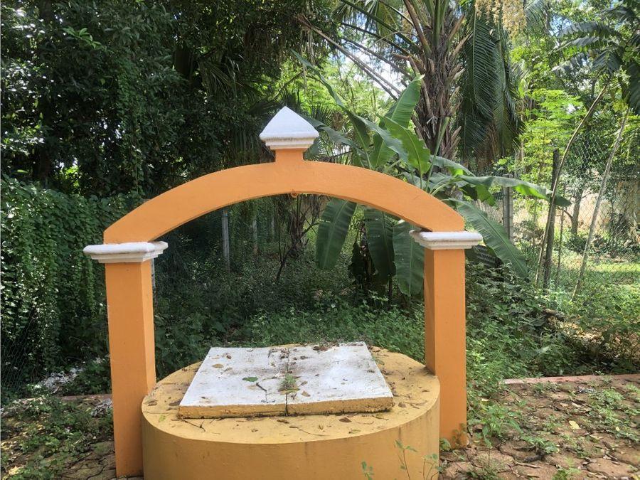 casa con gran jardin en venta en sisal