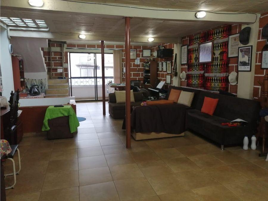 casa en venta en aranjuez con terraza