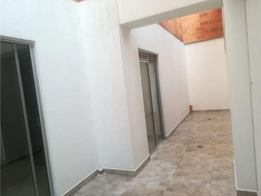 apartamento en venta la floresta cerca al metro