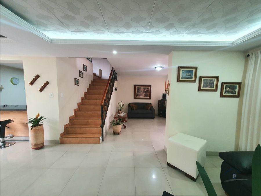 casa en venta barrio simon bolivar cerca al viva de laureles
