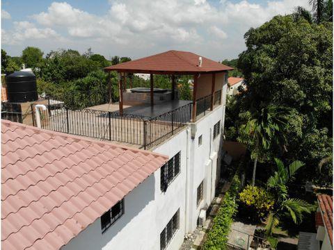 hermosa casa en arroyo hondo con jacuzzi y terraza