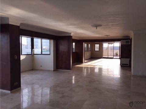 vendo amplio penthouse en naco 650 mt2