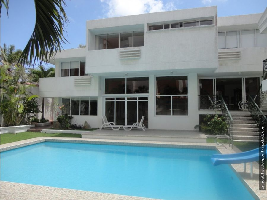 casa altos de riomar con piscina
