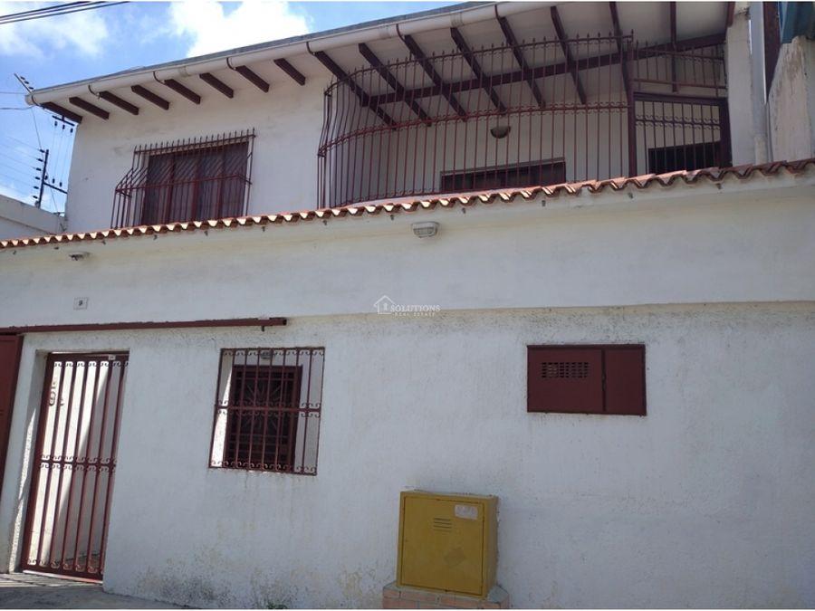casa de dos plantas en san jose maracay edo aragua