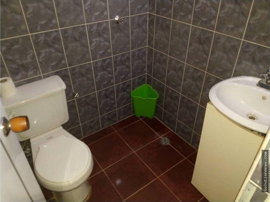 casa con piscina en yagua