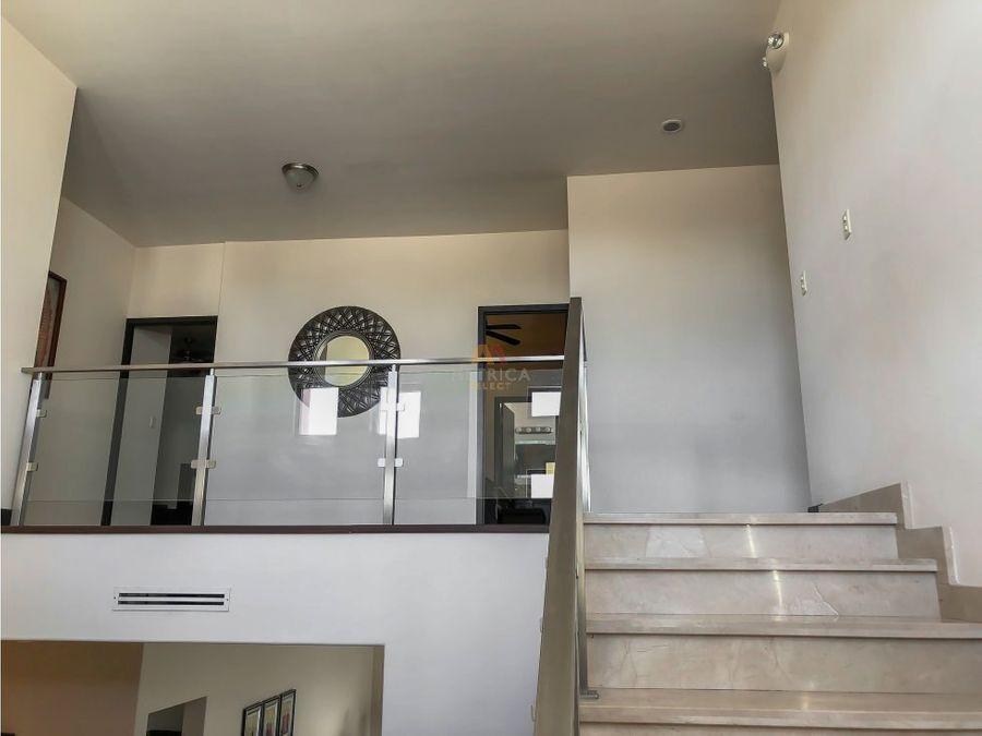 santa lucia residencial recamara en planta baja 6 banos