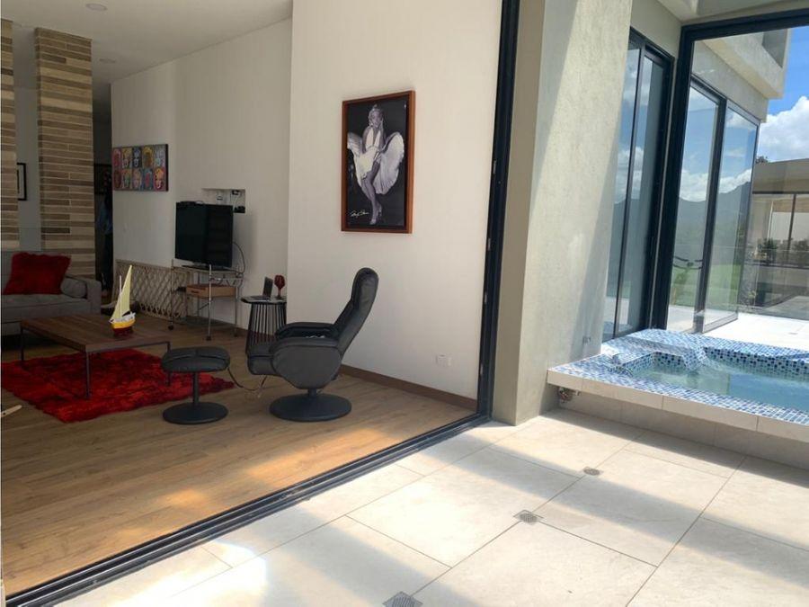 vendo exclusiva casa en yerbabuena sopo