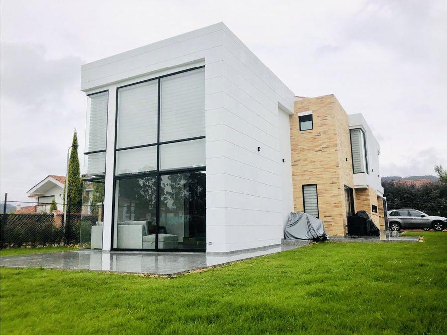vendo espectacular casa en sopo