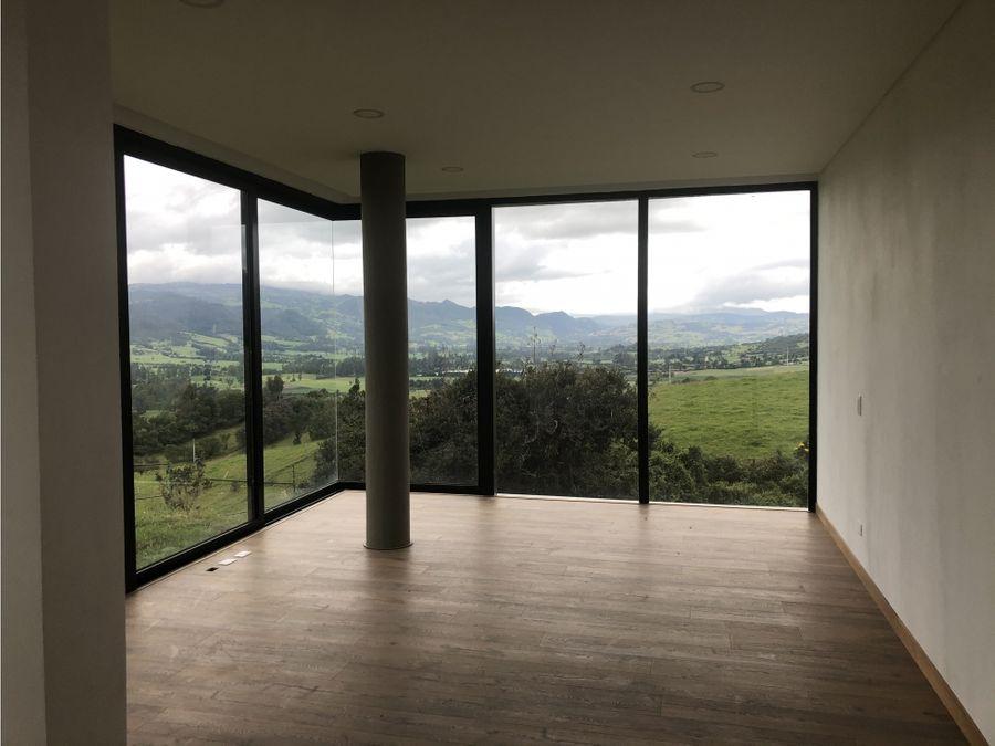 vendo espectacular casa en yerbabuena sopo