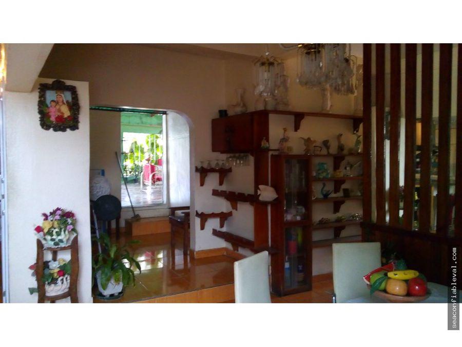 se vende casa de dos plantas en urb nueva esparta