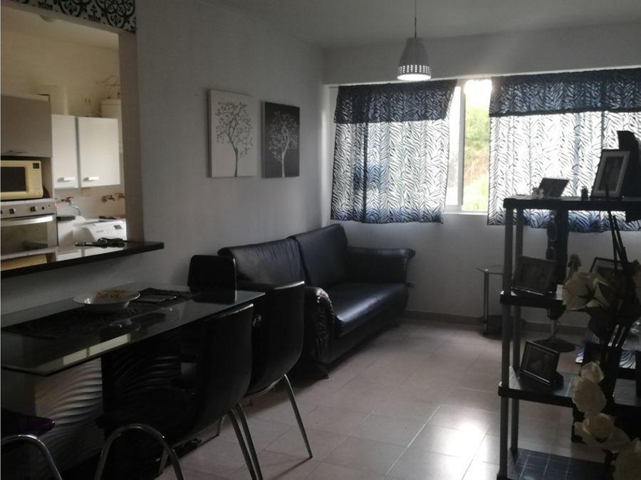 apartamento ubicado en res la granja country naguanagua