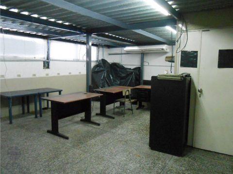 amplio local con excelente ubicacion av bolivar