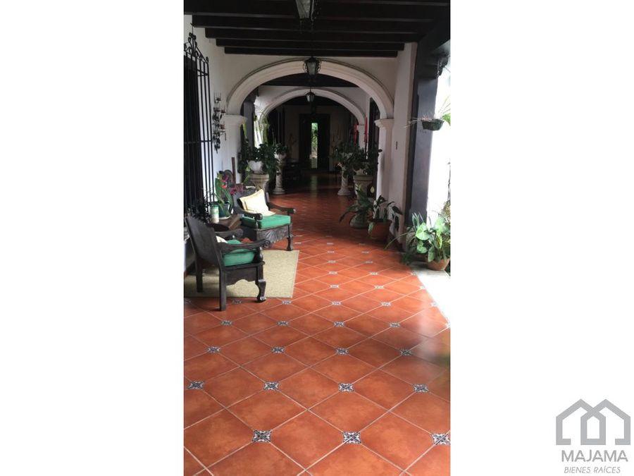antigua guatemala vendo casa