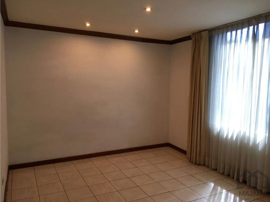 zona 14 la excelencia rento apartamento