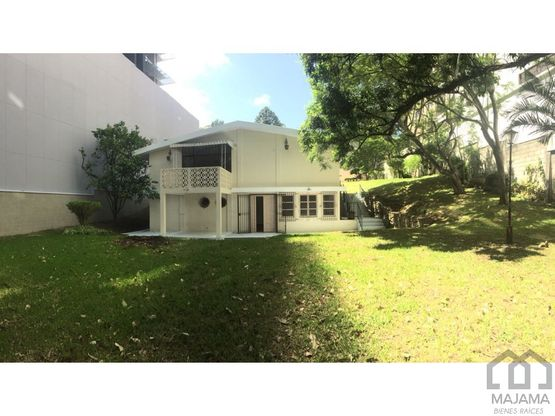 zona 15 vhii rento casa con amplio jardin