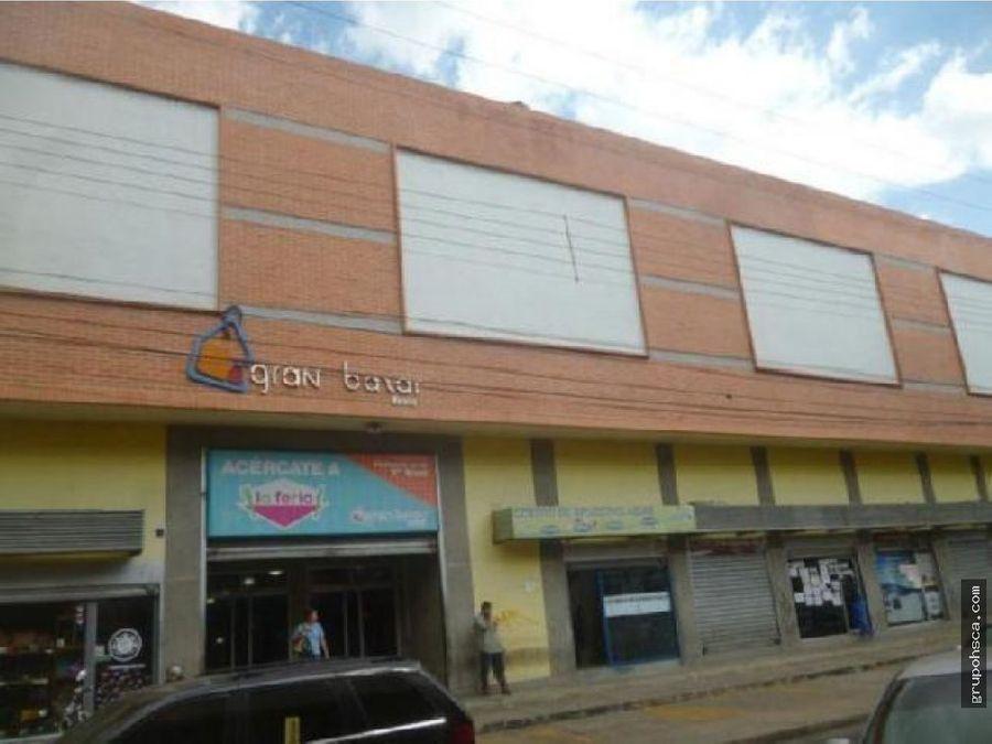 local comercial en el cc gran bazar maracay