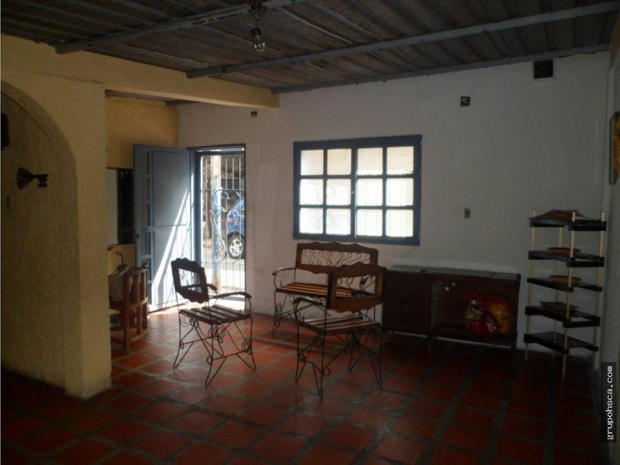 casa en el castano sector corozal maracay