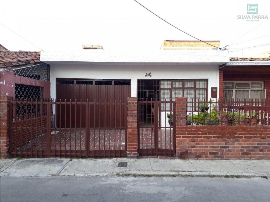 vendo casa en el poblado calle 39