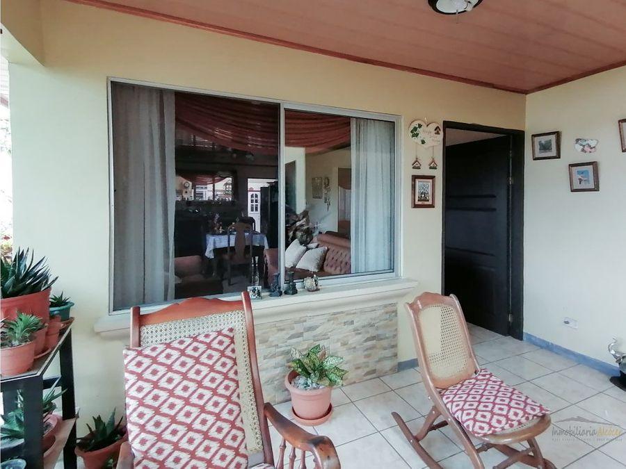 venta de propiedad con 2 casas y 1 apart naranjo