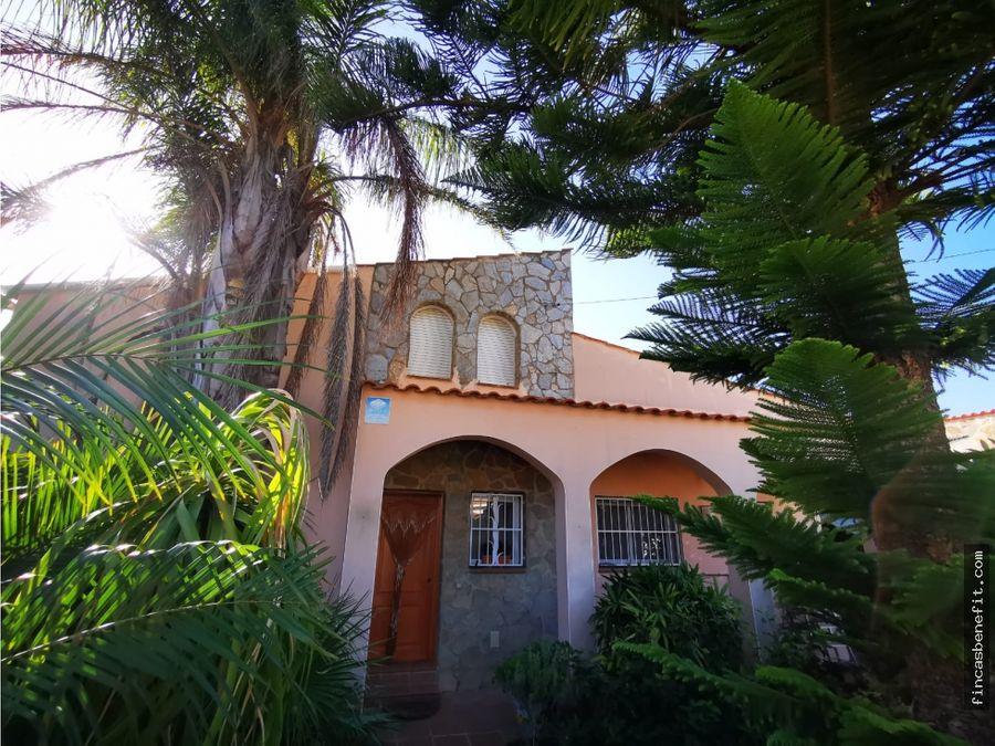 casa independiente con piscina y huerto